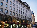 Скандално вдигат 2 етажа над хотел България, застрояват градината